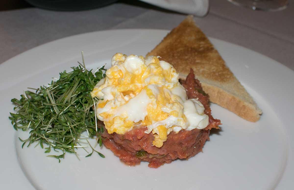 hotel-gschloessl-murtal-in-grosslobming-beef-tartare