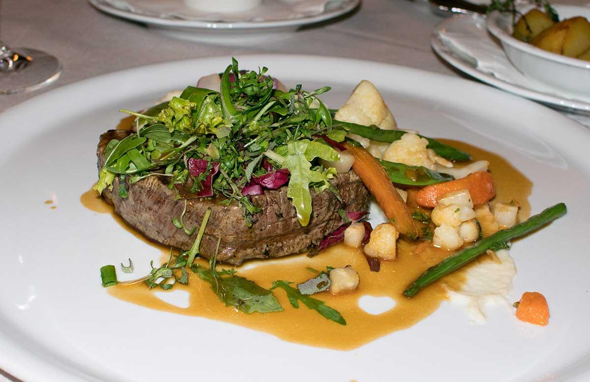 hotel-gschloessl-murtal-in-grosslobming-steak