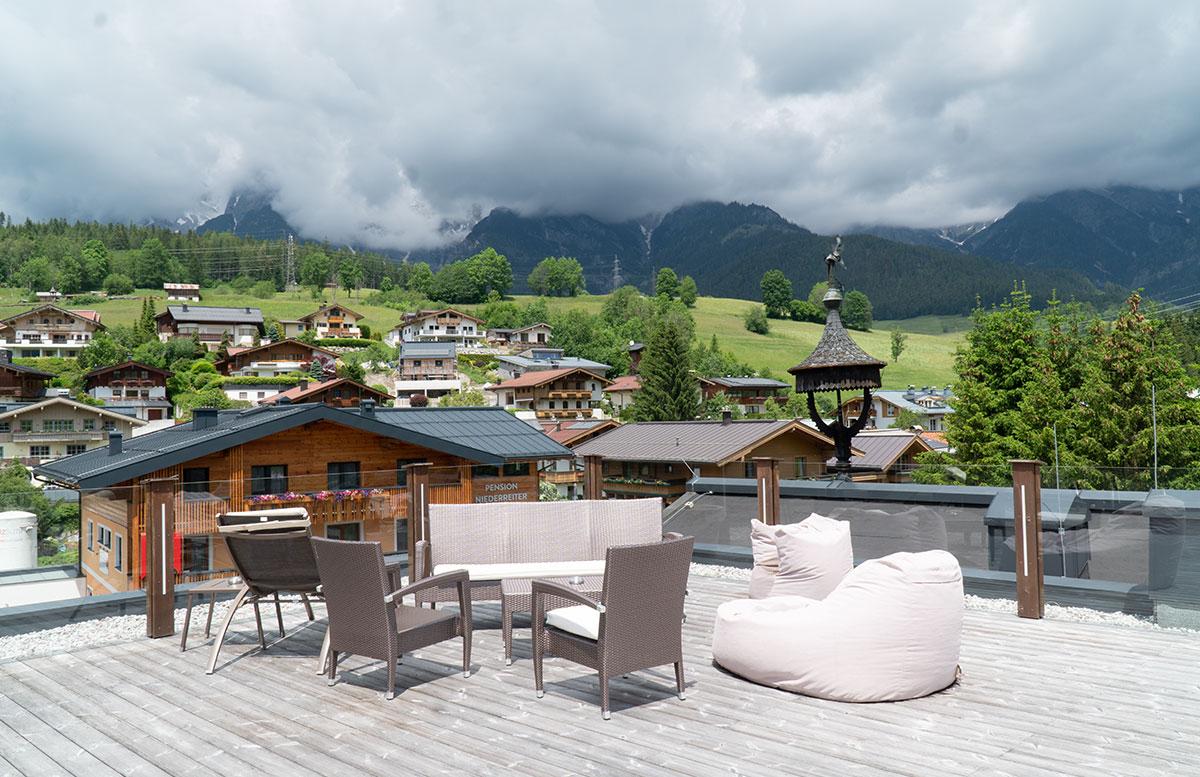 Hotel-Niederreiter-in-Maria-Alm-Salzburger-Land-dachterrasse
