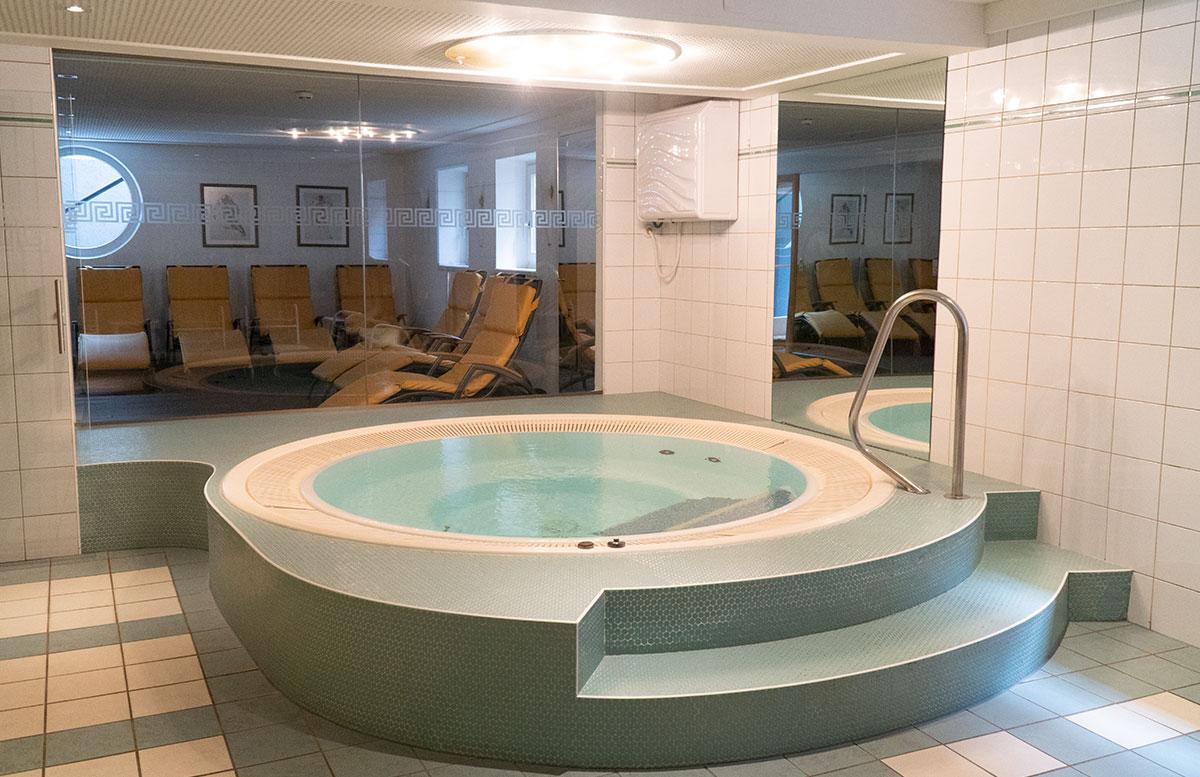Hotel-Niederreiter-in-Maria-Alm-Salzburger-Land-whirlpool
