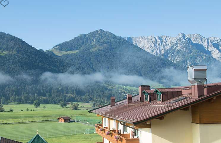 Hotel-Seehof-am-Walchsee-aussicht-auf-die-berge