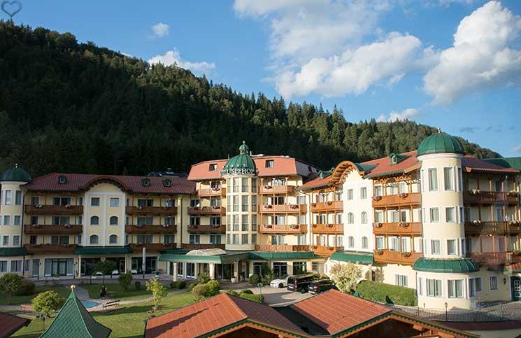 Hotel-Seehof-am-Walchsee-hauptgebäude