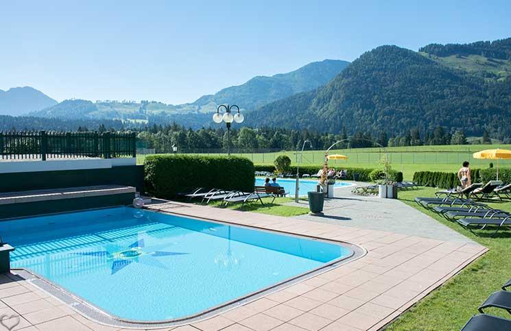 Hotel-Seehof-am-Walchsee-outdoor-pool