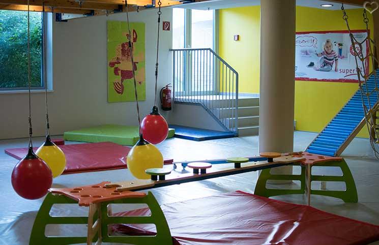 Hotel-Sonnenpark-bei-der-Sonnentherme-Lutzmannsburg-kinderspielraum