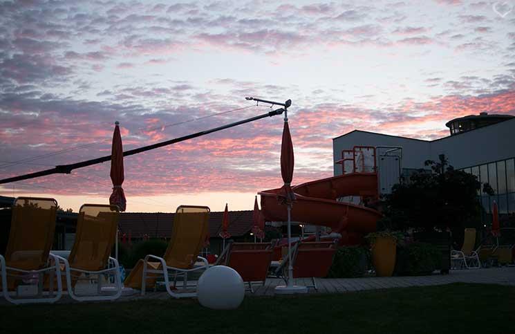 Hotel-Sonnenpark-bei-der-Sonnentherme-Lutzmannsburg-sonnenuntergang