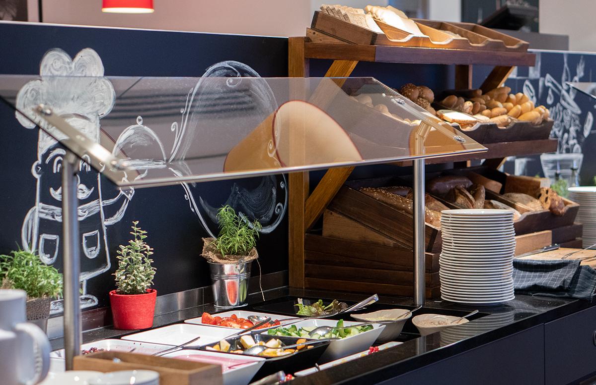 Hotel angelo by Vienna House Prague zimmer frühstück auswahl