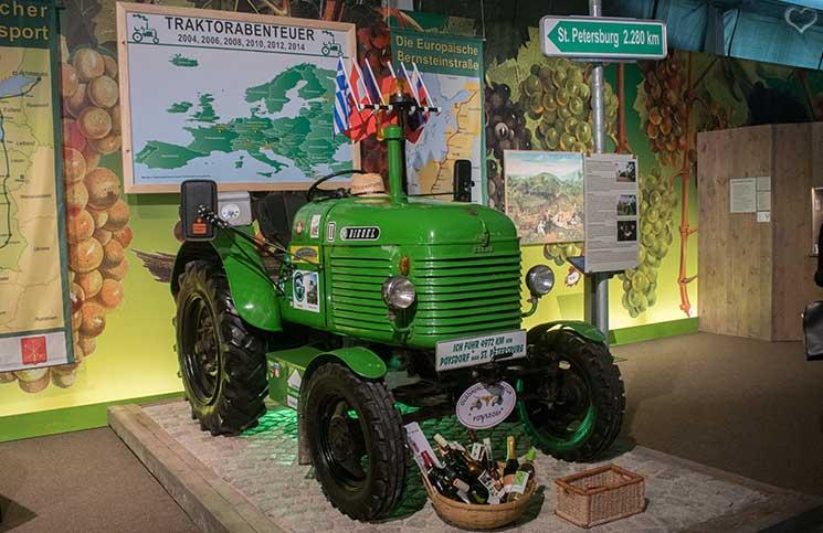 Kellergassenführung-im-Weinviertel-traktorabenteuer-st-petersburg