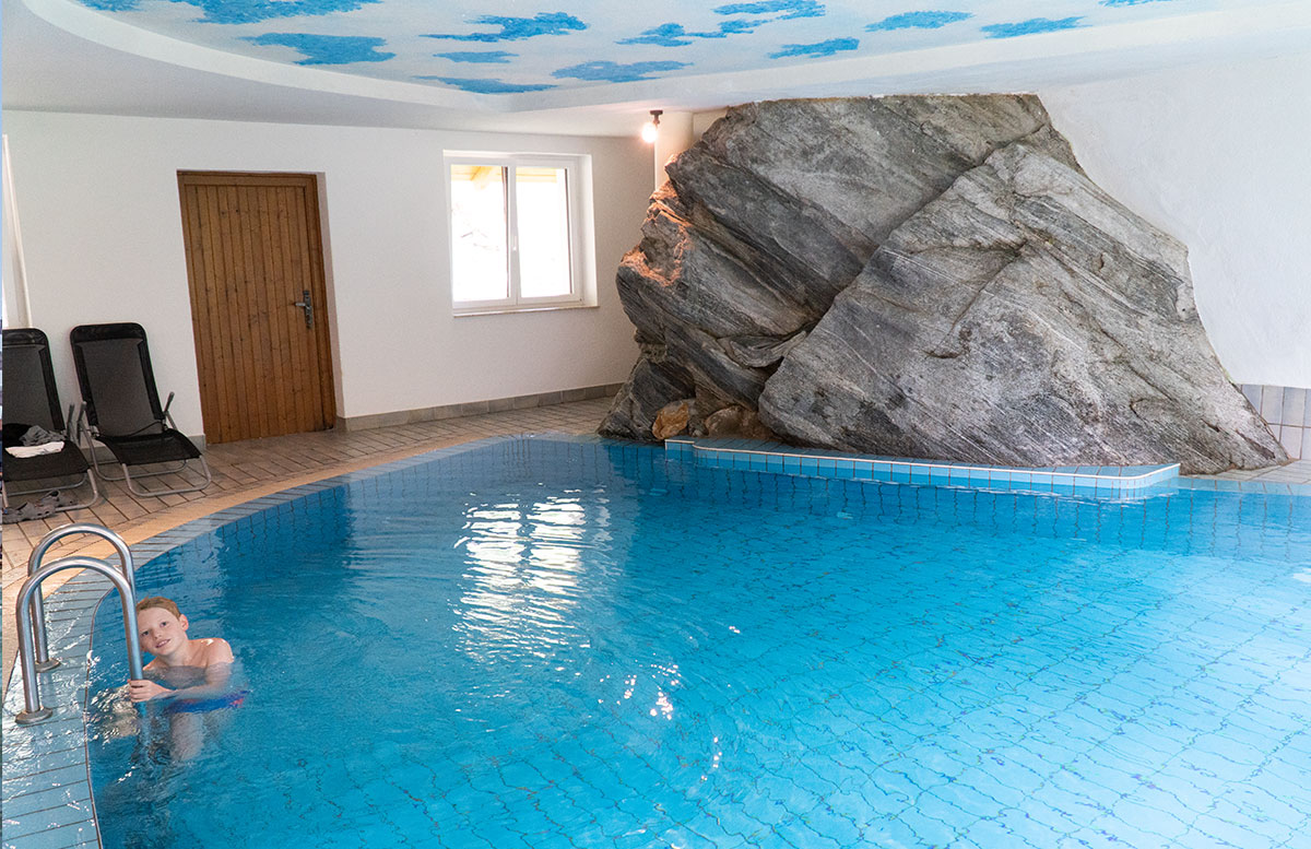 Kinderhotel-Benjamin-in-Malta-in-Kärnten-pool