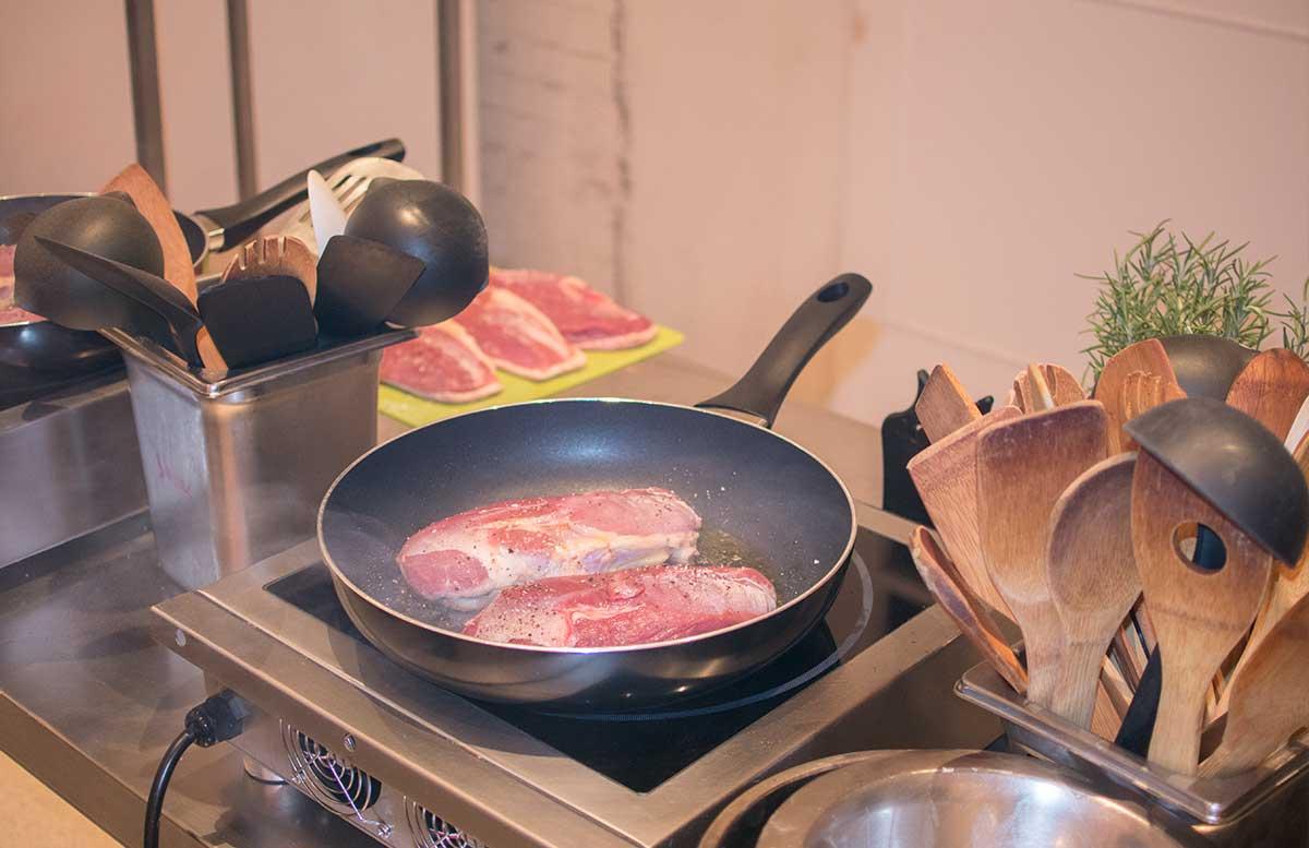 Koch mit Oliver Suchard Event gebratene Ente
