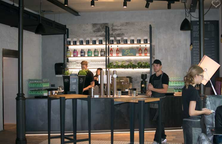 LeBurger-Eröffnung-in-der-Mariahilferstraße-erster-stock-bar