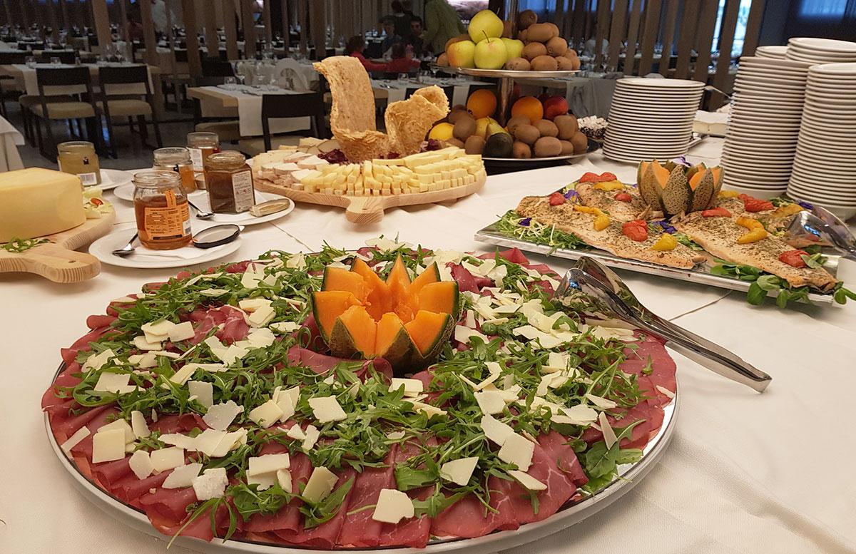 Lino-delle-fate-Eco-village-Resort-in-Bibione-abendbuffet