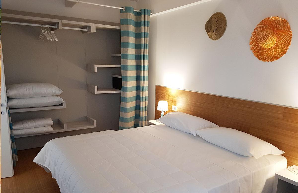 Lino-delle-fate-Eco-village-Resort-in-Bibione-schlafzimmer