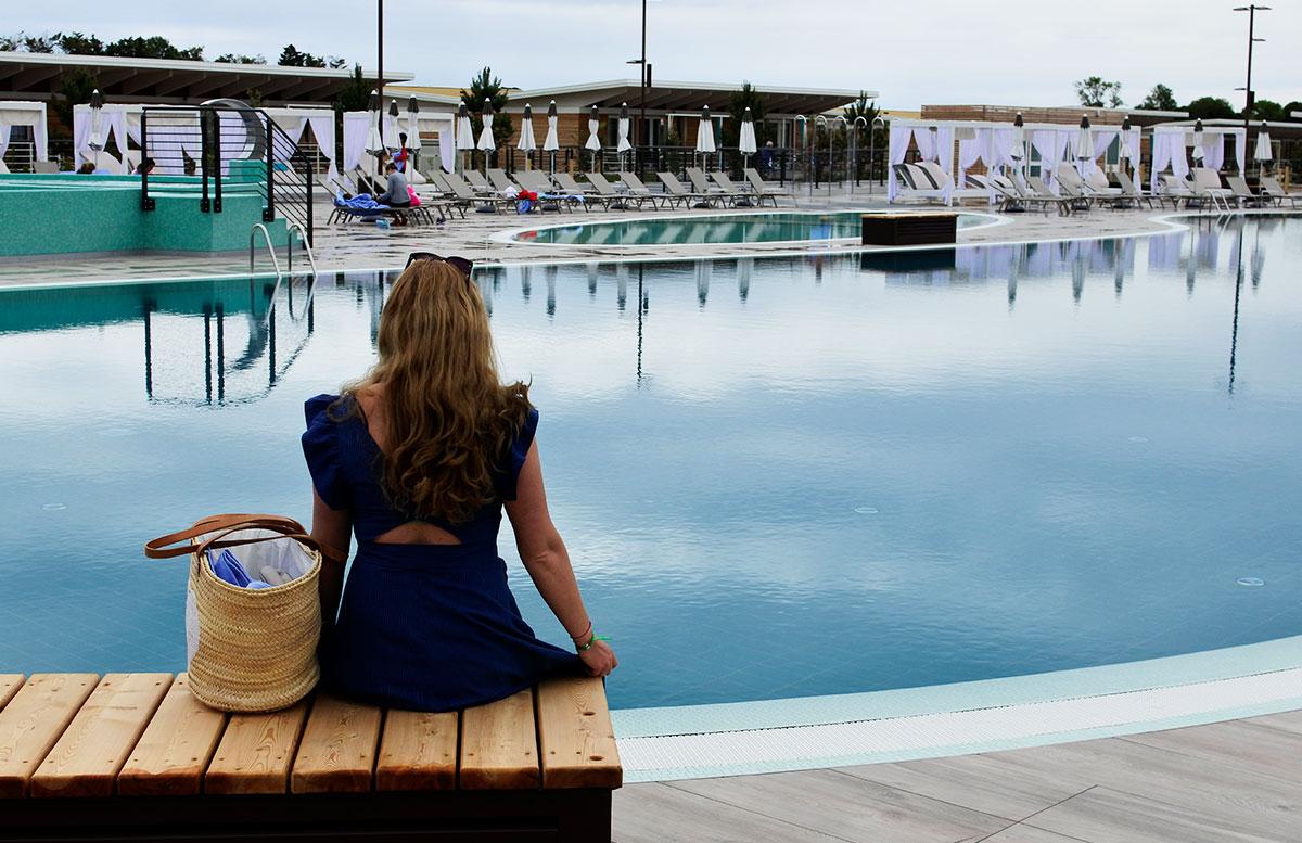 Lino-delle-fate-Eco-village-Resort-in-Bibione-vicky-beim-pool