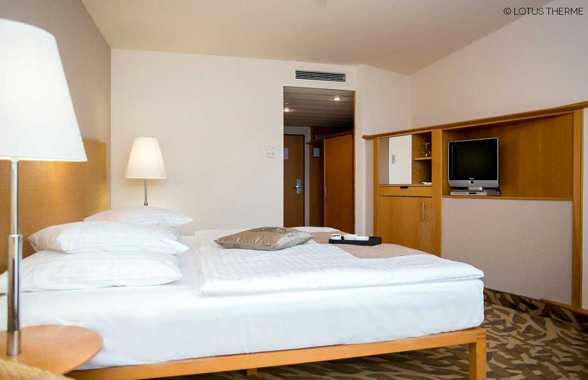 Lotus-Therme-Hotel-und-Spa-in-Heviz-zimmer