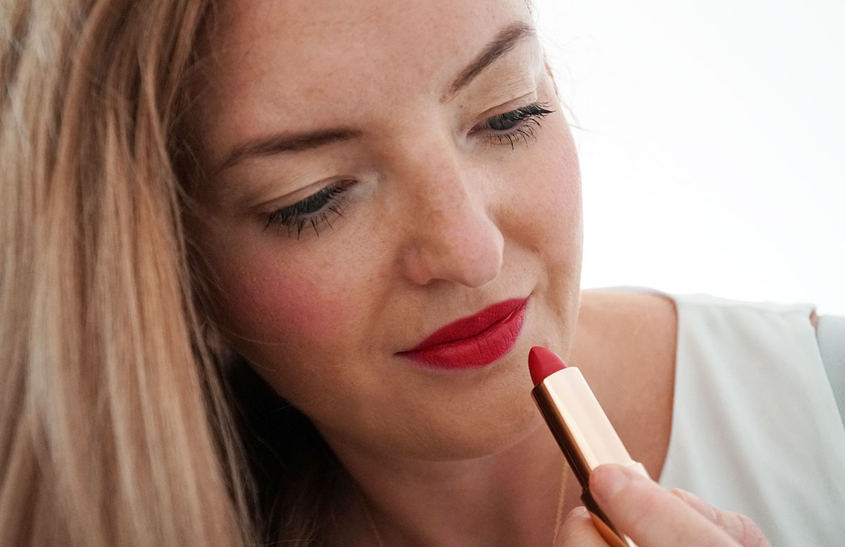 M.-Asam-Magic-Finish-Make-up--und-Collagen-Lift-rote-lippen