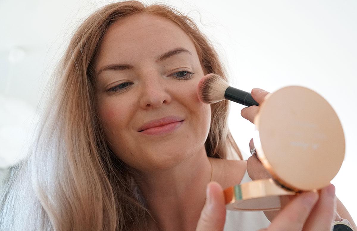 M.-Asam-Magic-Finish-Make-up--und-Collagen-Lift-rouge