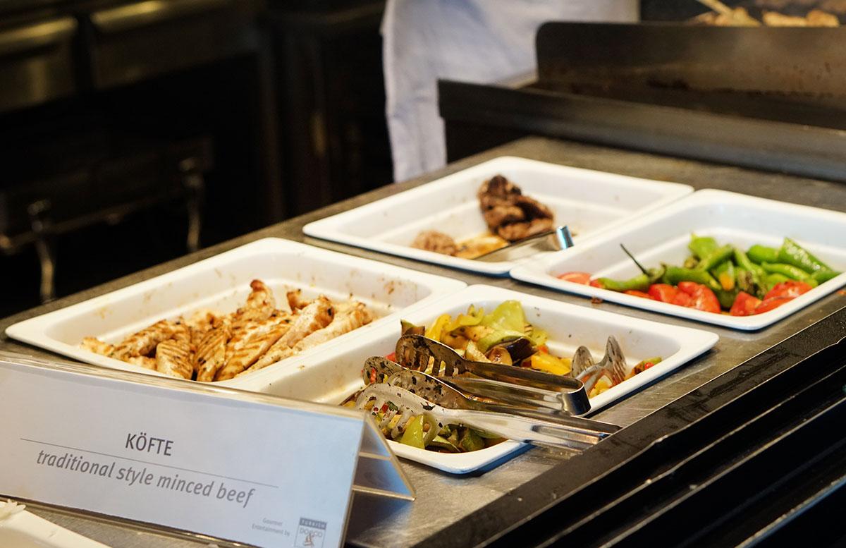 Mein Business Class Flug mit Turkish Airlines flieger cip lounge istanbul gegrilltes food