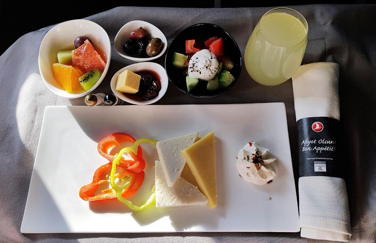 Mein-Business-Class-Flug-mit-Turkish-Airlines-frühstück
