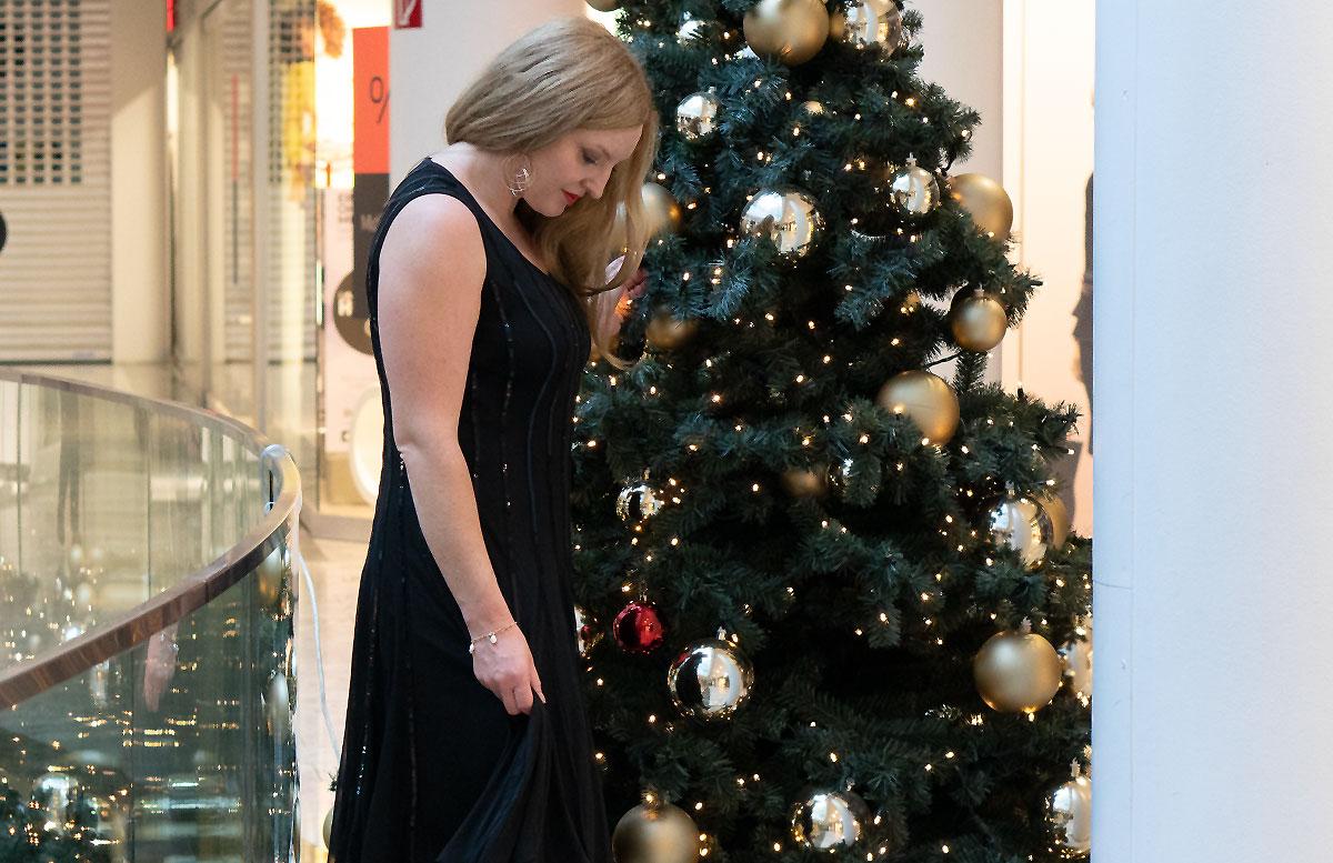 Mein-Weihnachtsparty-Outfit-für-2019-BLICK-NACH-UNTEN