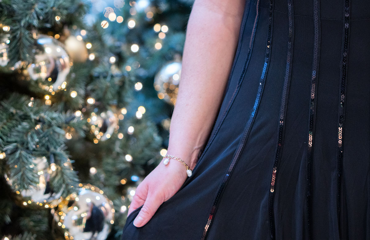 Mein-Weihnachtsparty-Outfit-für-2019-detail-kleid