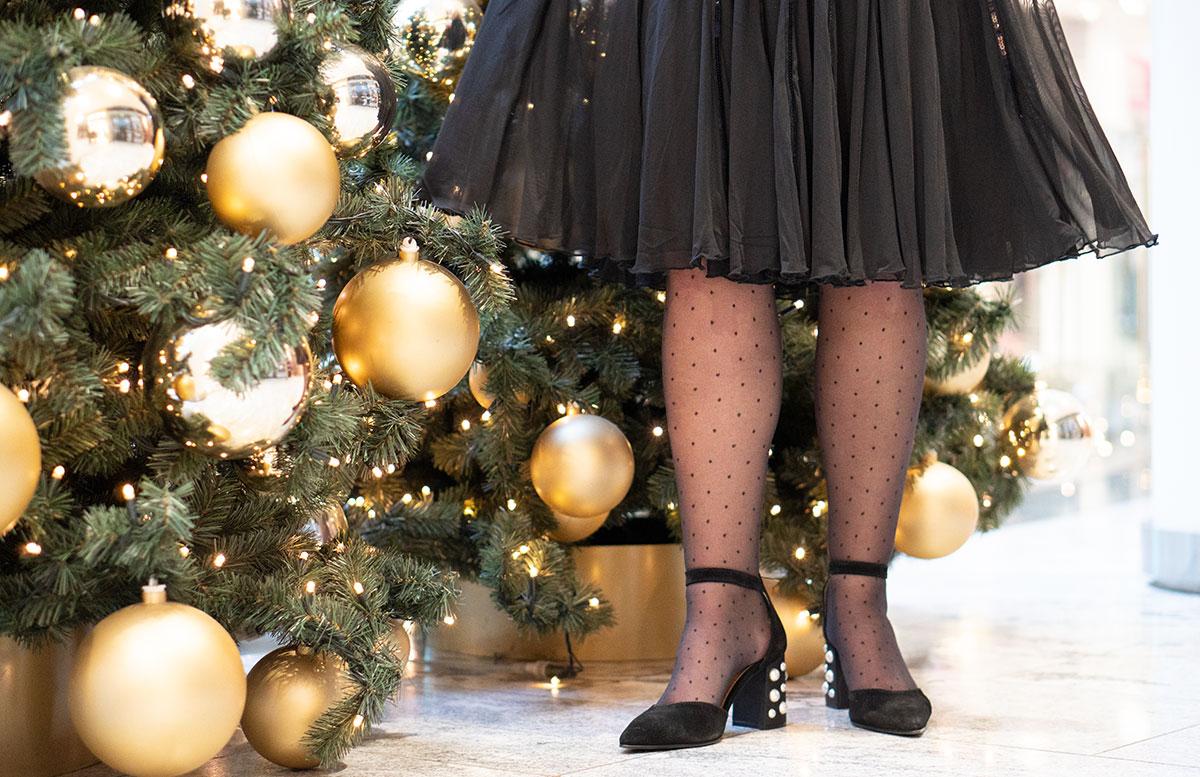 Mein-Weihnachtsparty-Outfit-für-2019-detail-schuhe-und-saum