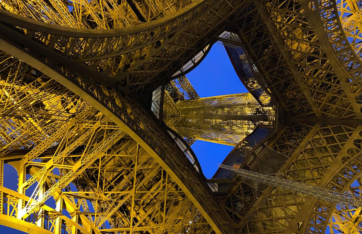 Meine-8-Instagram-Hotspots-für-Paris-eiffelturm-dazwischen
