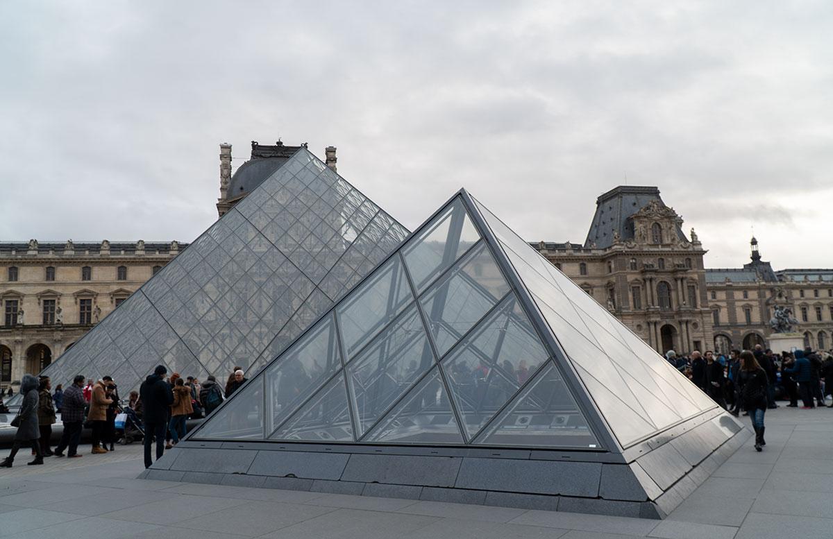 Meine-8-Instagram-Hotspots-für-Paris-louvre-pyramide