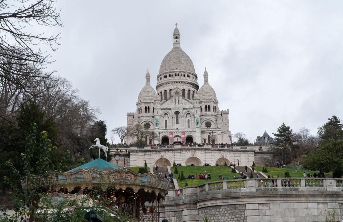 Meine-8-Instagram-Hotspots-für-Paris-sacre-couer-von-unten