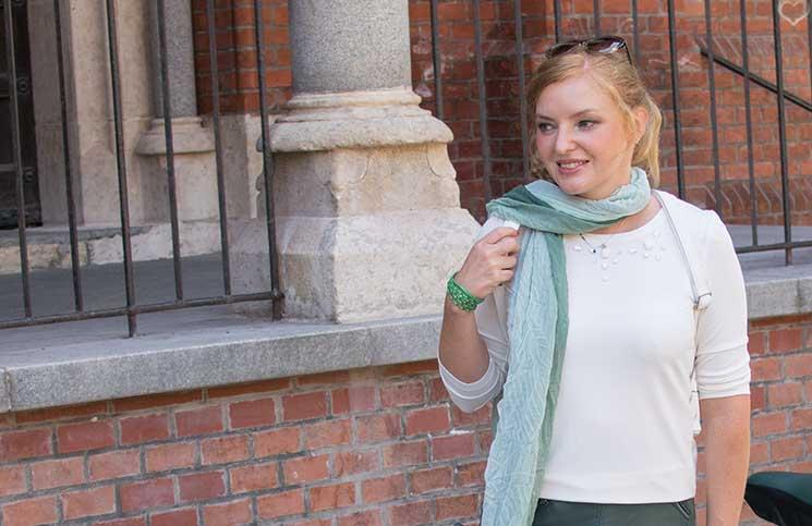 Mit-dem-Rad-durch-die-Stadt---Herbstliches-Outfit-in-Grün-detail-schal