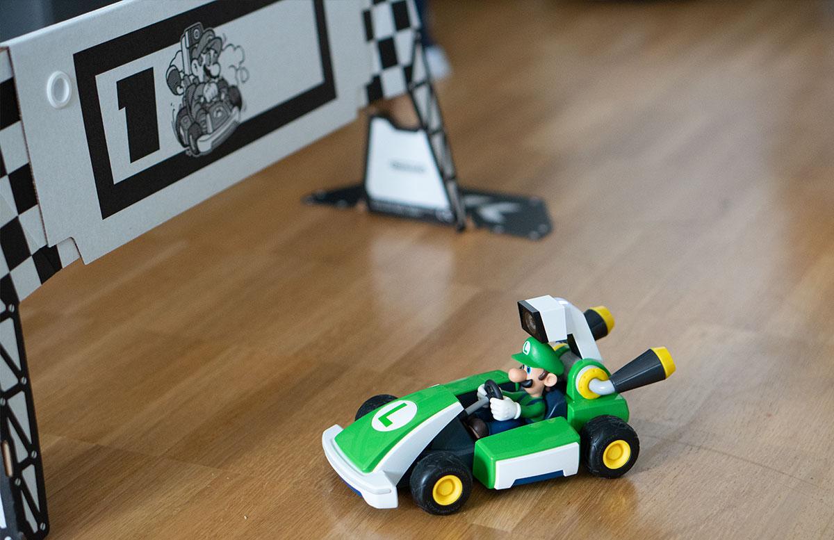 Nintendo-Switch-Mario-Kart-Live-Home-Circuit-LUIGI
