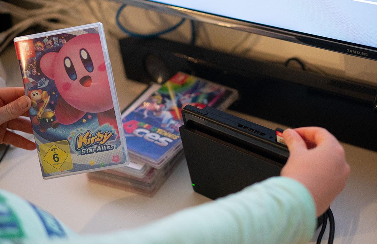Nintendo Switch Mario Tennis Aces und Kirby Star Allies kirby spiel