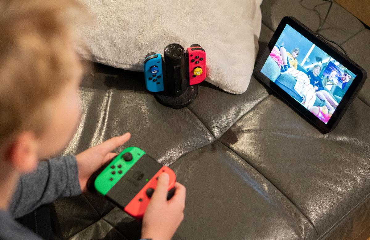 Nintendo-Switch-Online-und-Kirby-Fighters-2-GEWINNSPIEL-spielen-mit-cousinen