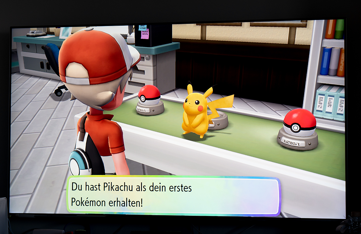 Nintendo Switch Pokemon: Let's Go, Pikachu mit Pokeball lenny mit spiel station