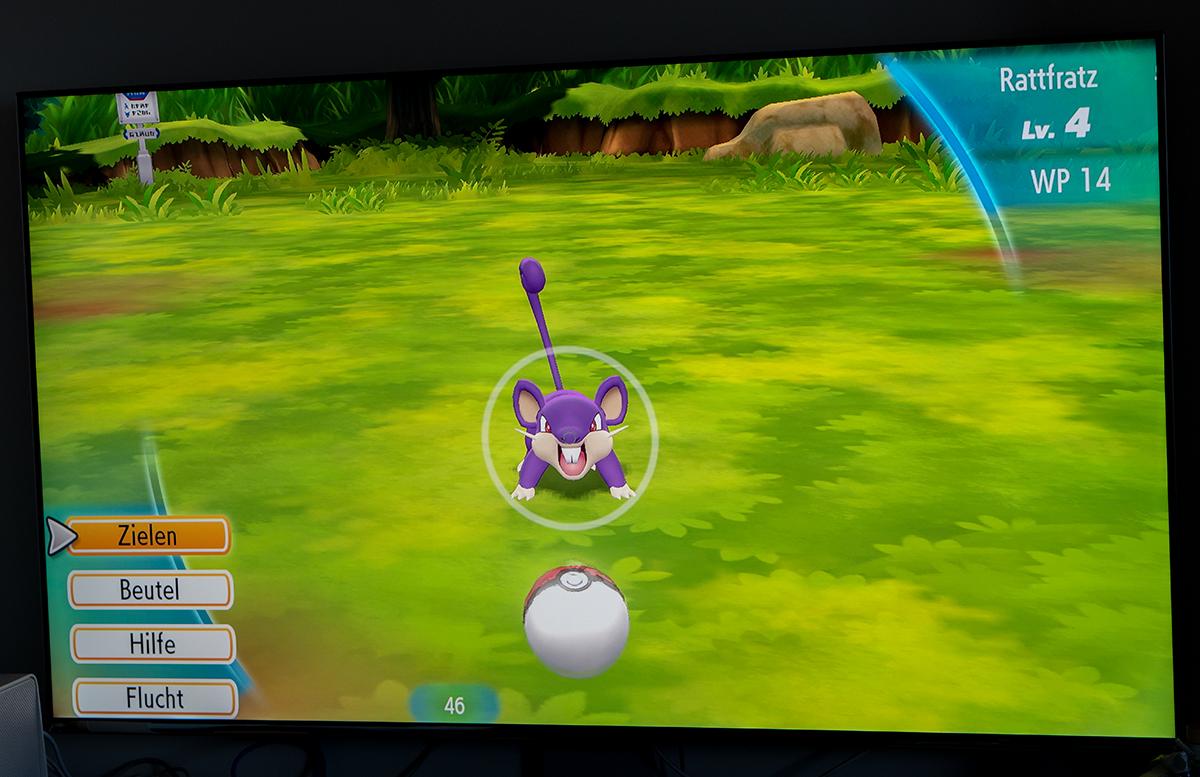 Nintendo Switch Pokemon: Let's Go, Pikachu mit Pokeball rattfratz