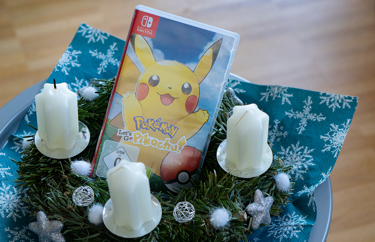 Nintendo Switch Pokemon: Let's Go, Pikachu mit Pokeball