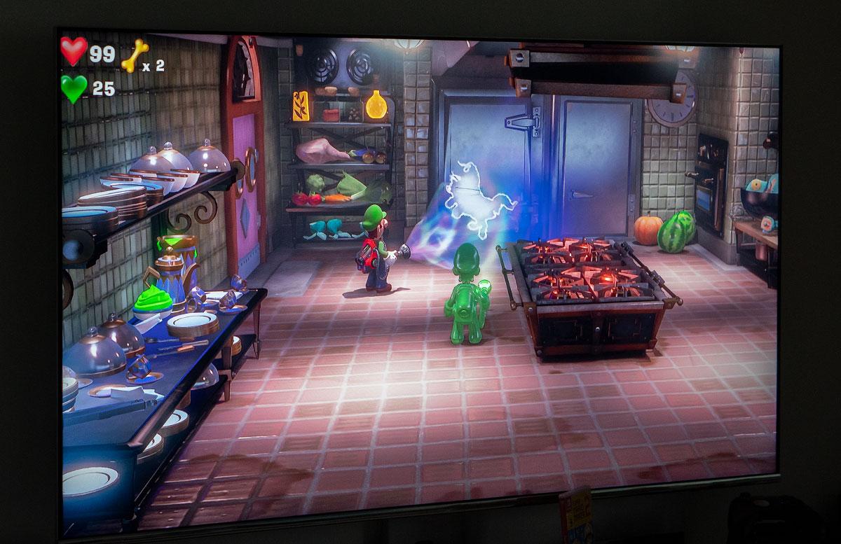 Nintendo-Switch-Pokemon-Schwert-und-Luigi's-Manson-3-IM-SPIEL