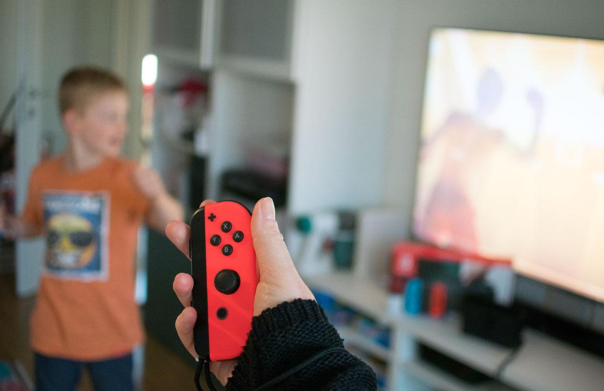 Nintendo Switch - die flexible Spielekonsole handheld modus joy-con modus