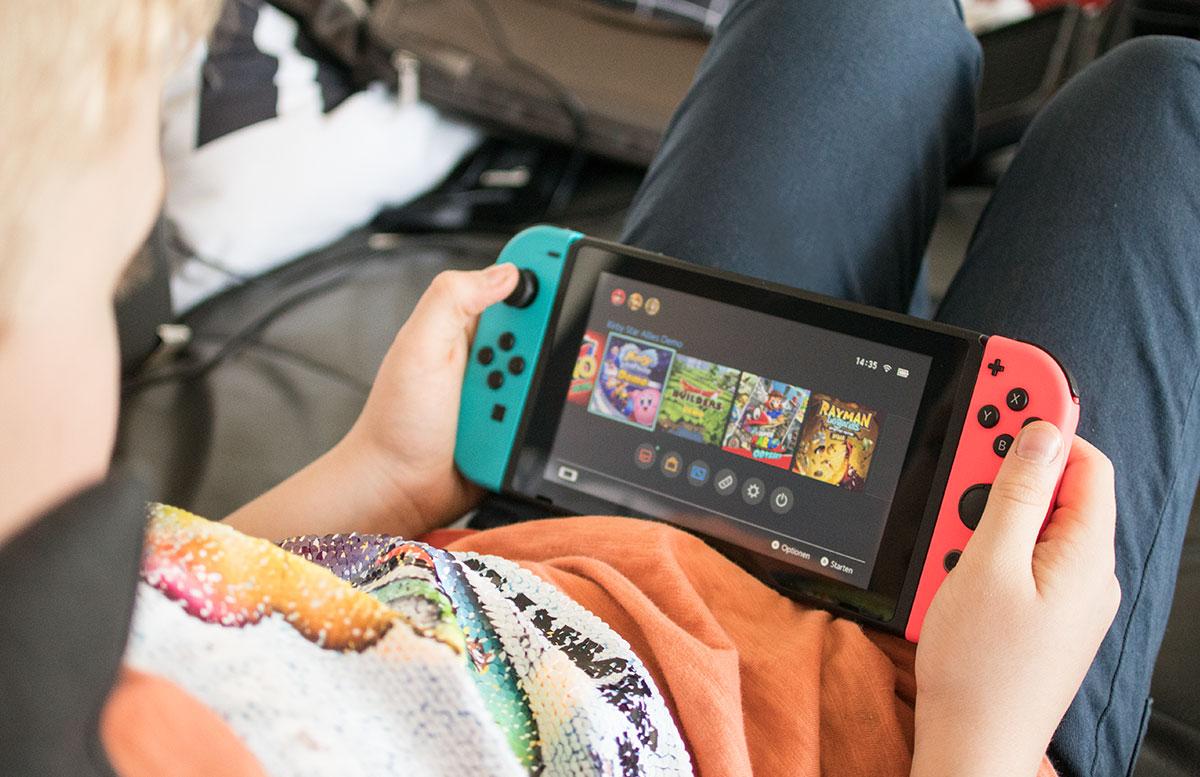 Nintendo Switch - die flexible Spielekonsole handheld modus gameboy