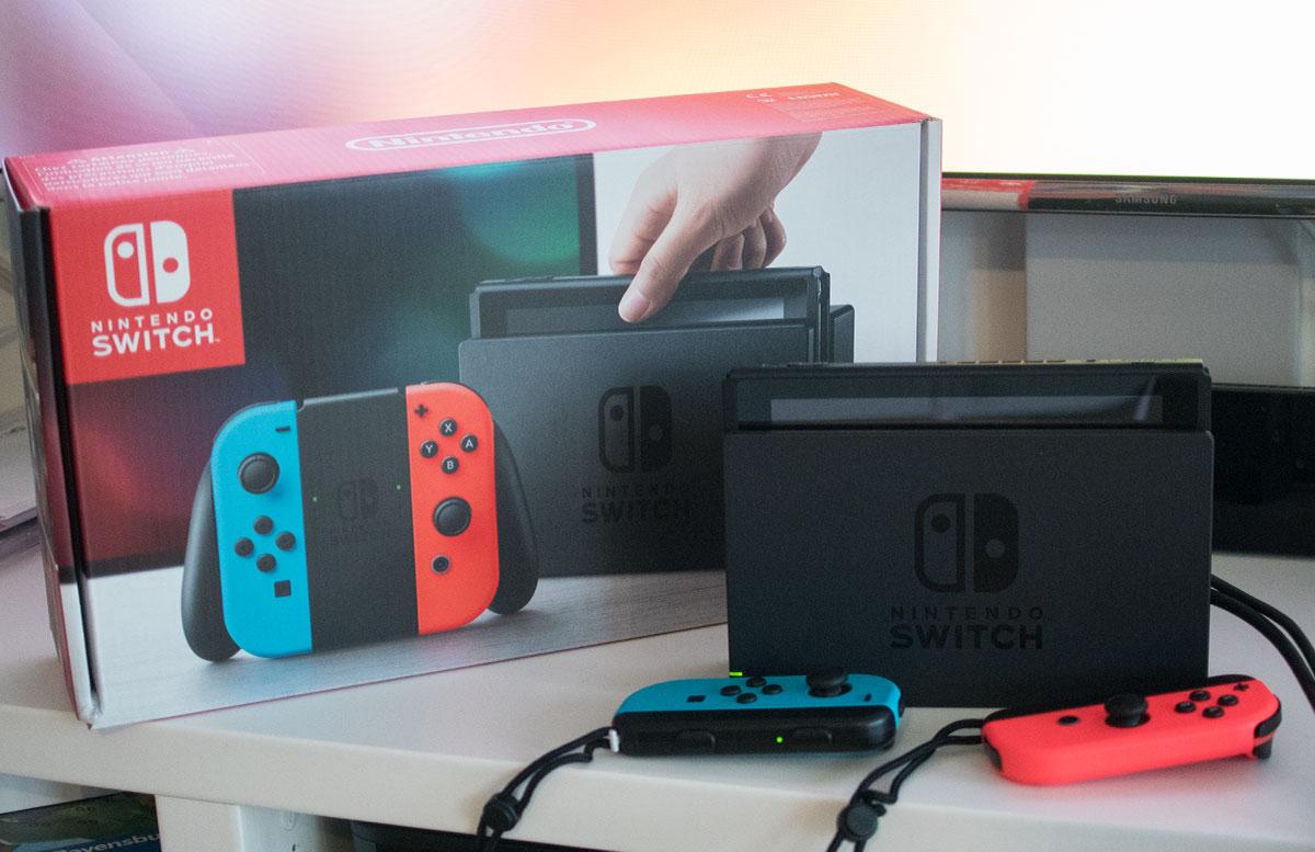Nintendo Switch - die flexible Spielekonsole handheld modus joy-con