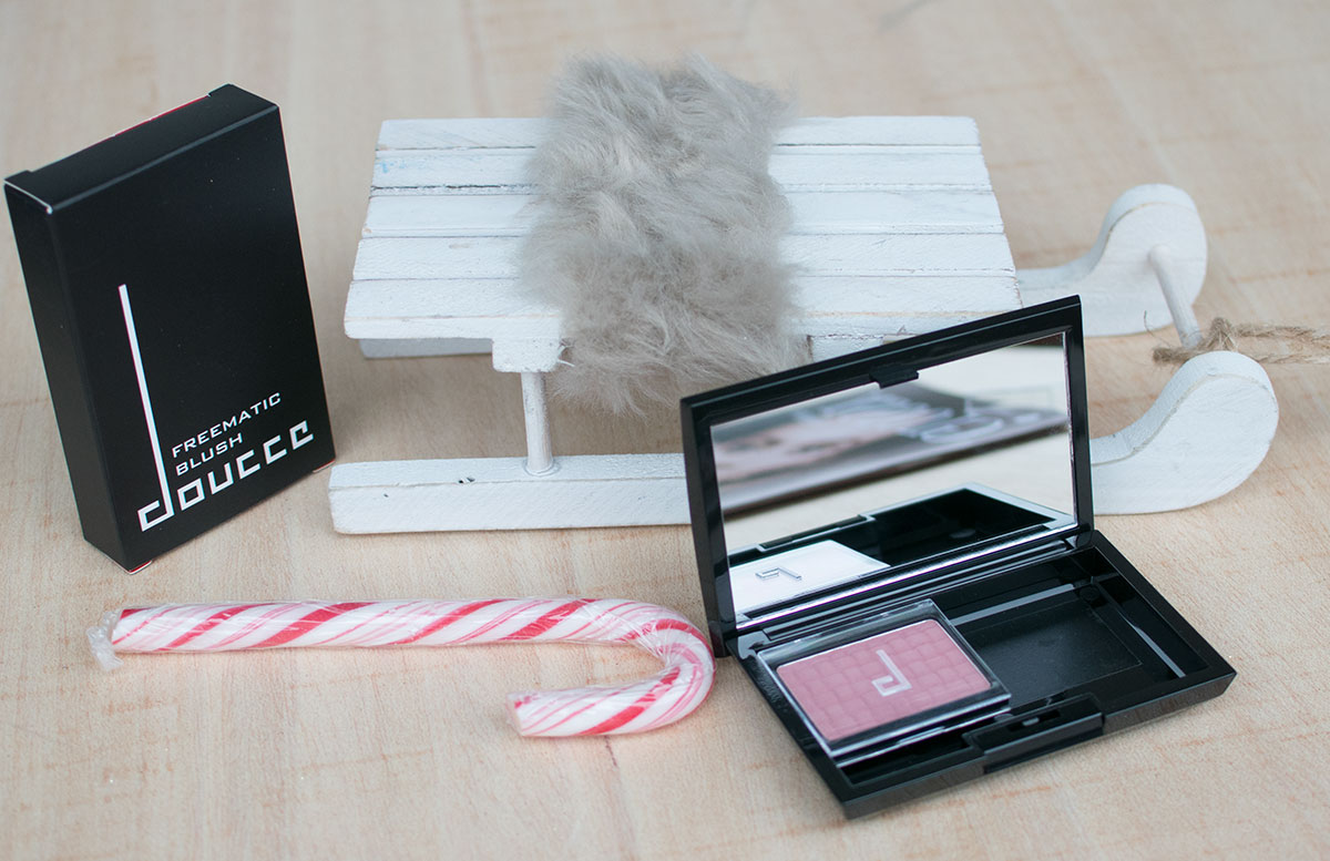 November Glossybox Dear Santa Edition doucce blush