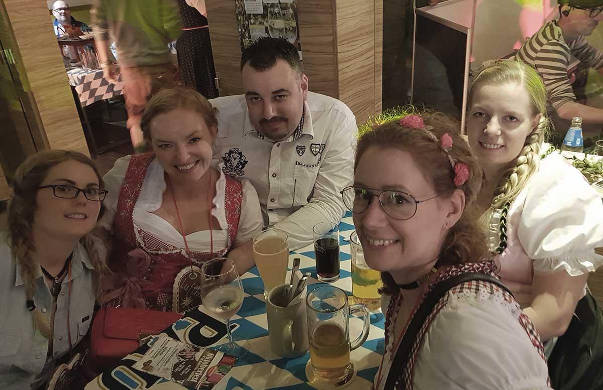 Oktoberfest und Ganslessen in der Luftburg bloggertisch