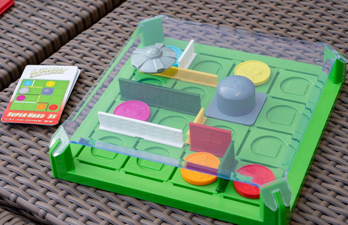 Oster-Tipp-Think-Fun-Invasion-of-Cow-Snatchers-und-Domino-Maze-UFOS