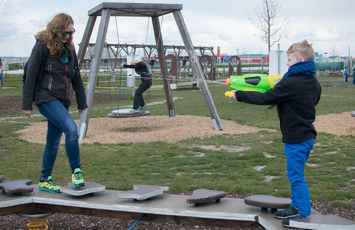 Outdoorfun mit TK Maxx im Motorikpark Wien spritzpistole
