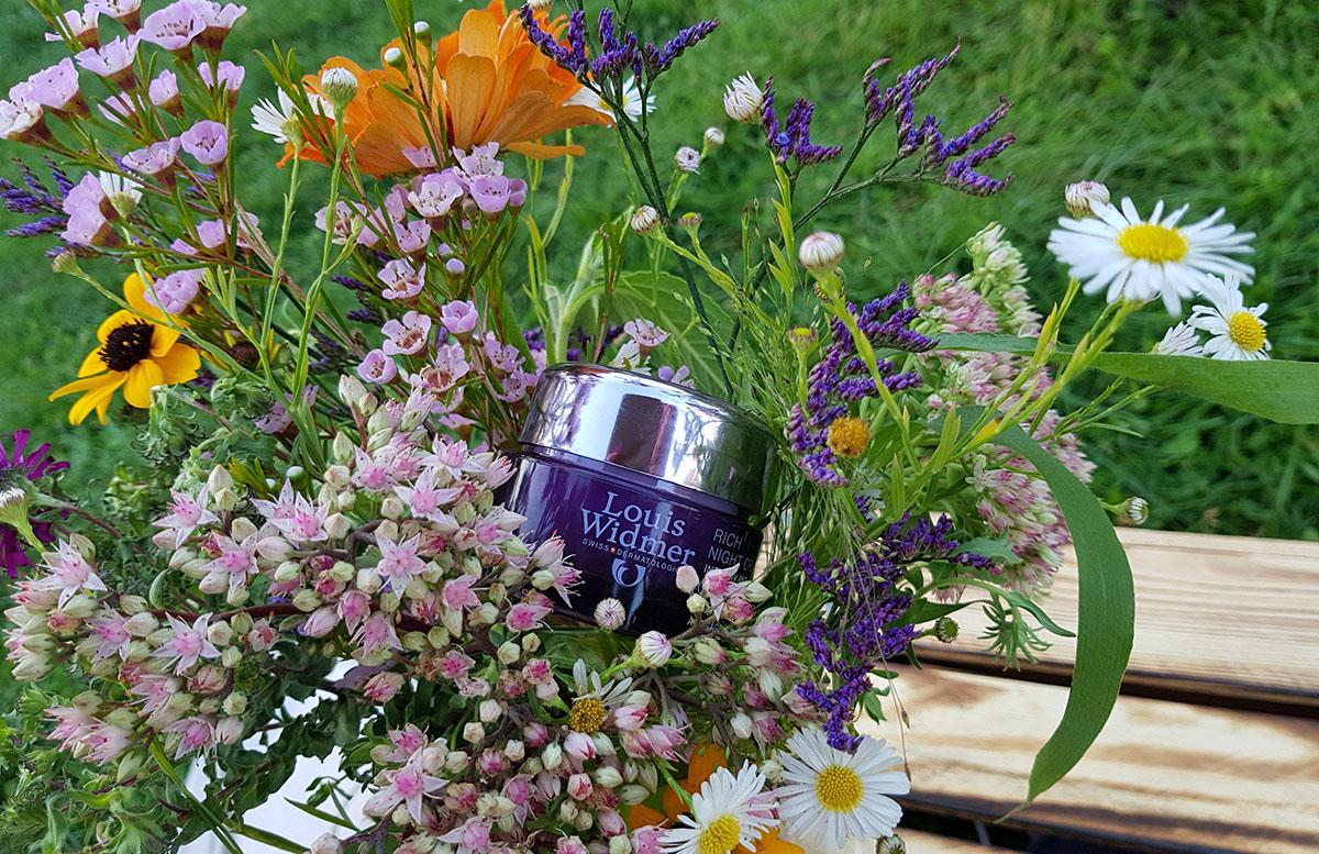 Picknick am Cobenzl mit Louis Widmer creme in Blumen