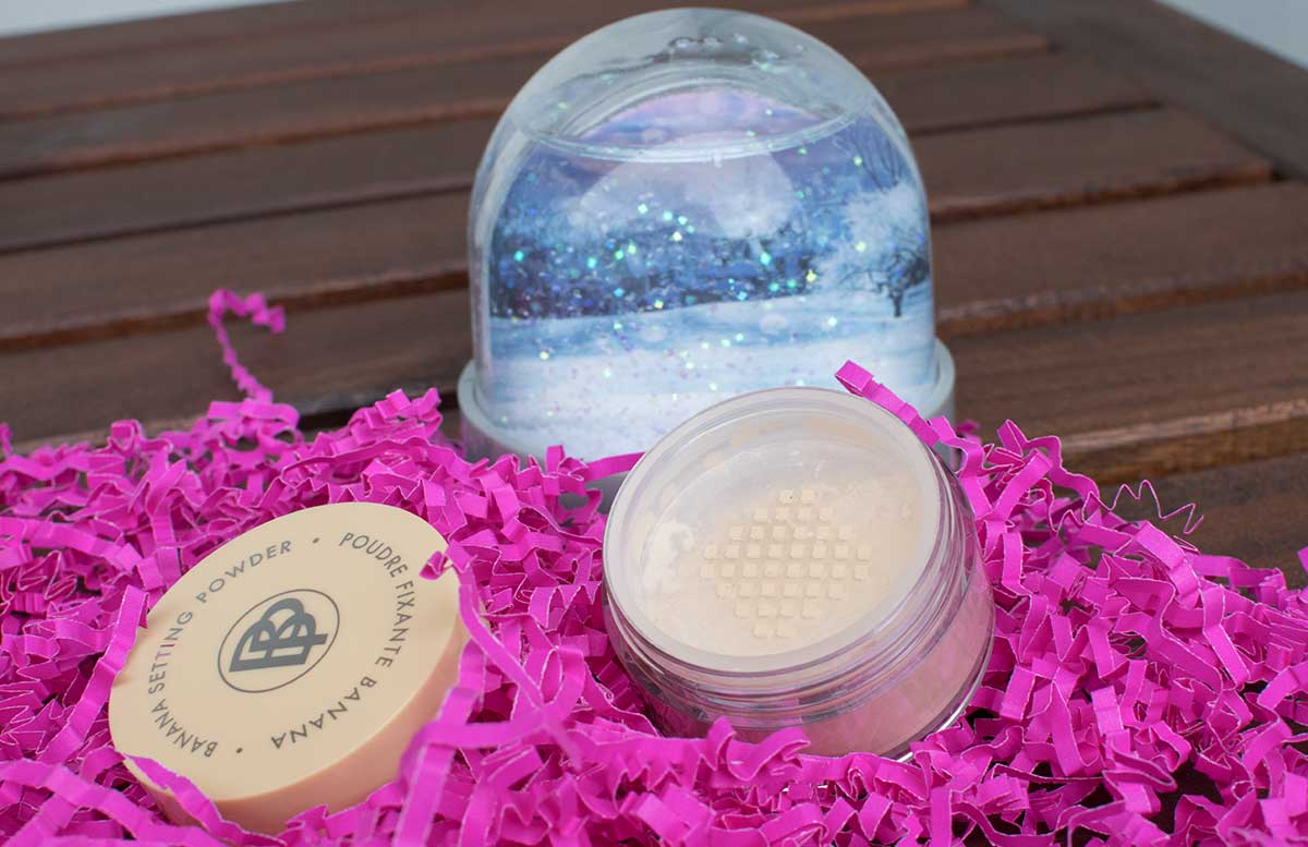 Pink-Planet-Glossybox-Juli-aloha banana setting powder
