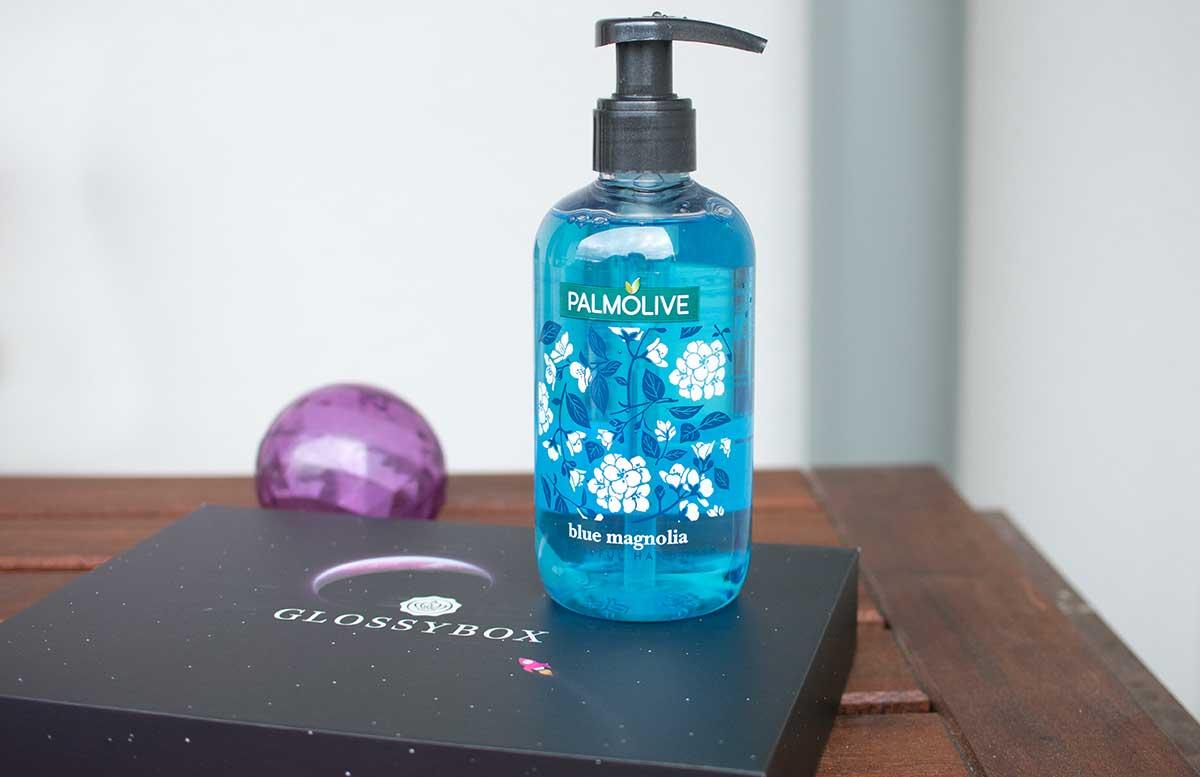 Pink-Planet-Glossybox-Juli-palmolive-blue-magnolia