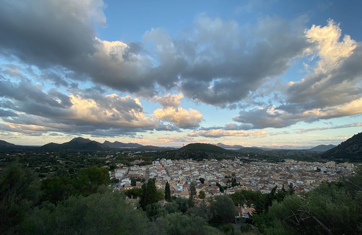 Pollensa-Urlaub-im-Norden-von-Mallorca-aussicht-von-oben