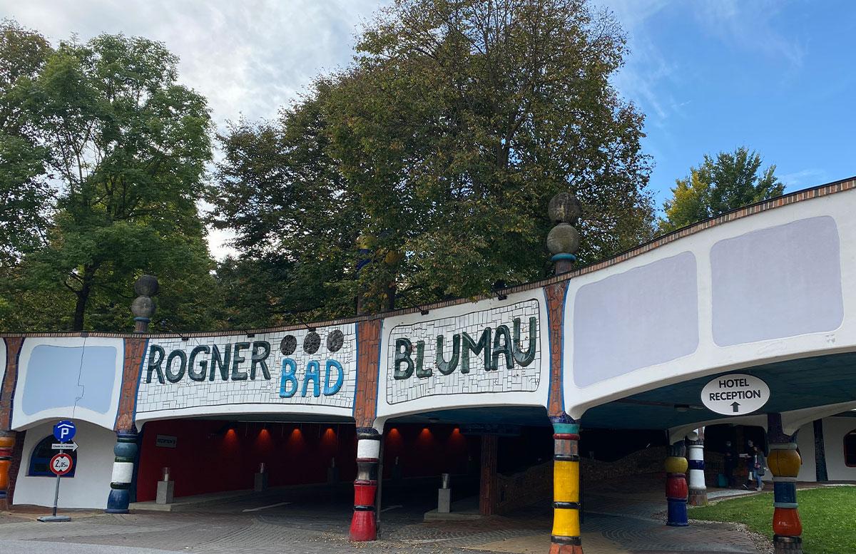 Romantische-Auszeit-in-der-Rogner-Bad-Blumau-Therme-parkplatz