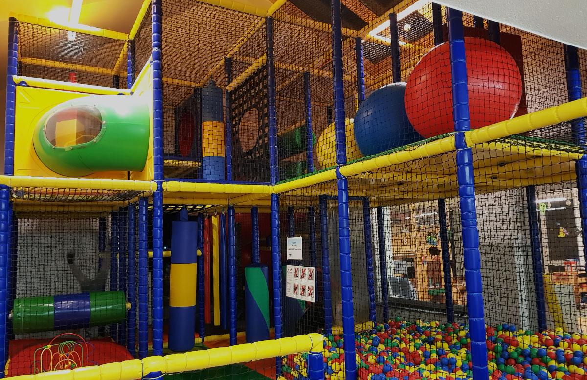 SEMI-Baby--und-Kinderhotel-in-Lutzmannburg-softplay-anlage
