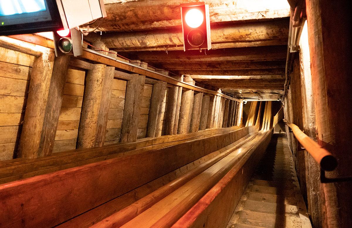 Salzwelten Hallstatt - Das älteste Salzbergwerk der Welt bergwerk rutsche